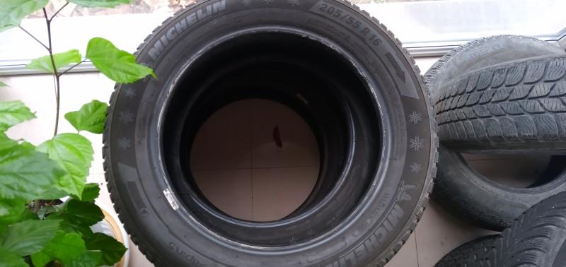Продавам  4 броя зимни  гуми