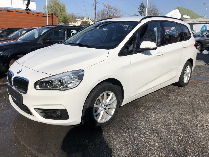 BMW 216 - image 1