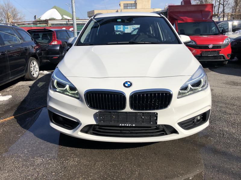 BMW 216 - image 2