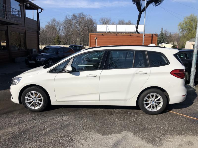 BMW 216 - image 4