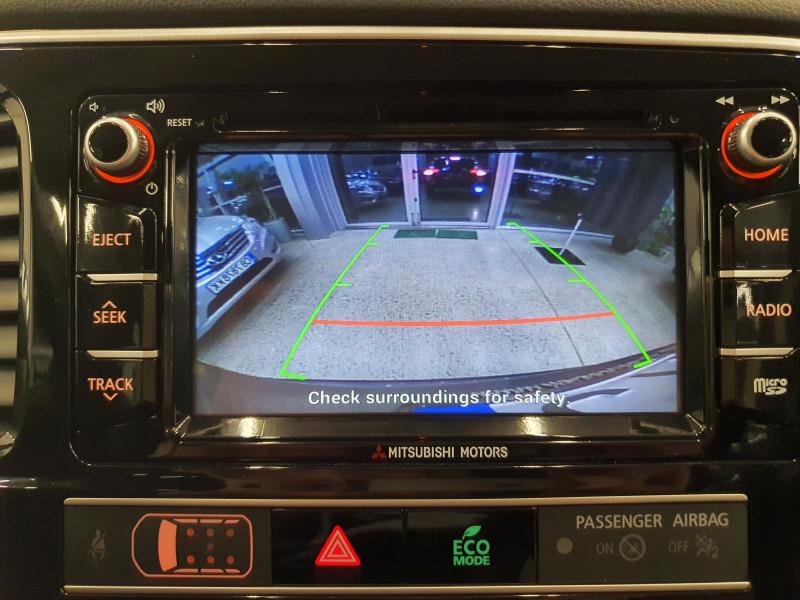 Mitsubishi Outlander - image 13