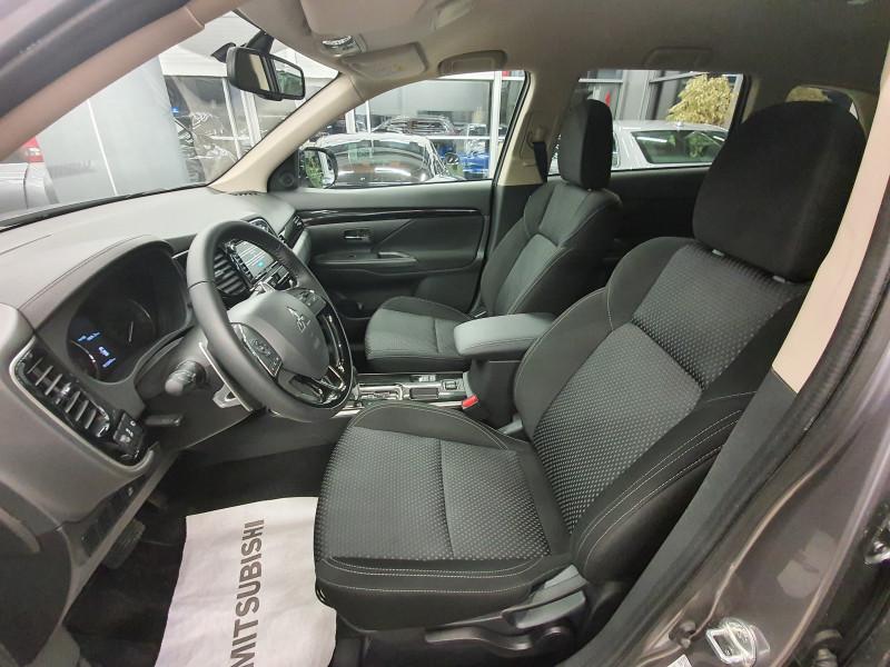 Mitsubishi Outlander - image 9