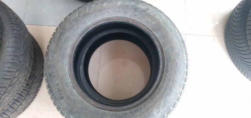 Продавам зимни гуми- PIRELLI