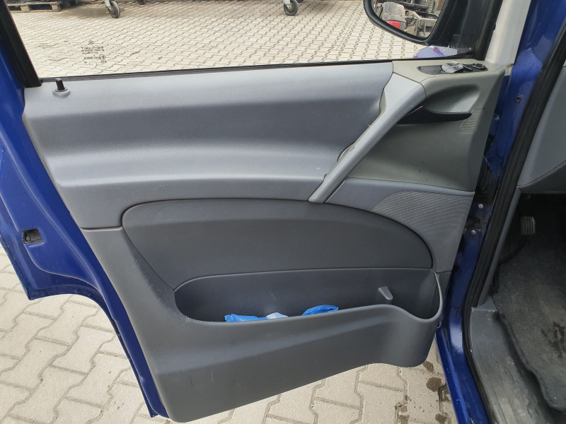 8- Mercedes-Benz Vito