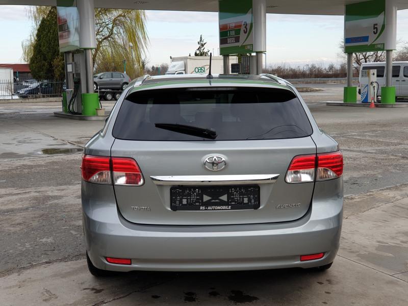 Toyota Avensis - image 4