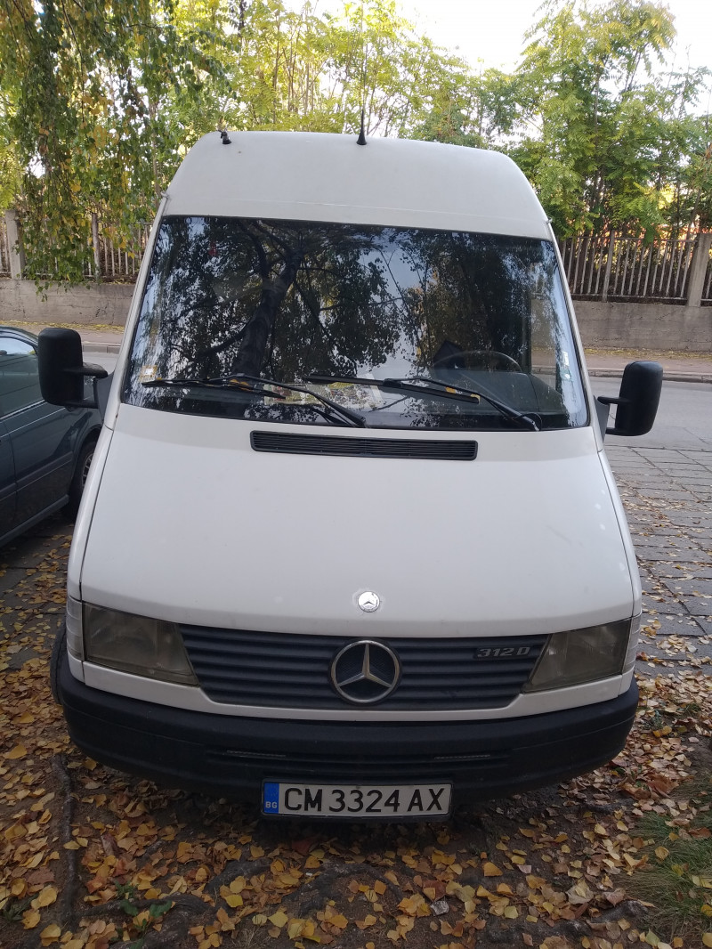 3- Mercedes-Benz Sprinter 312