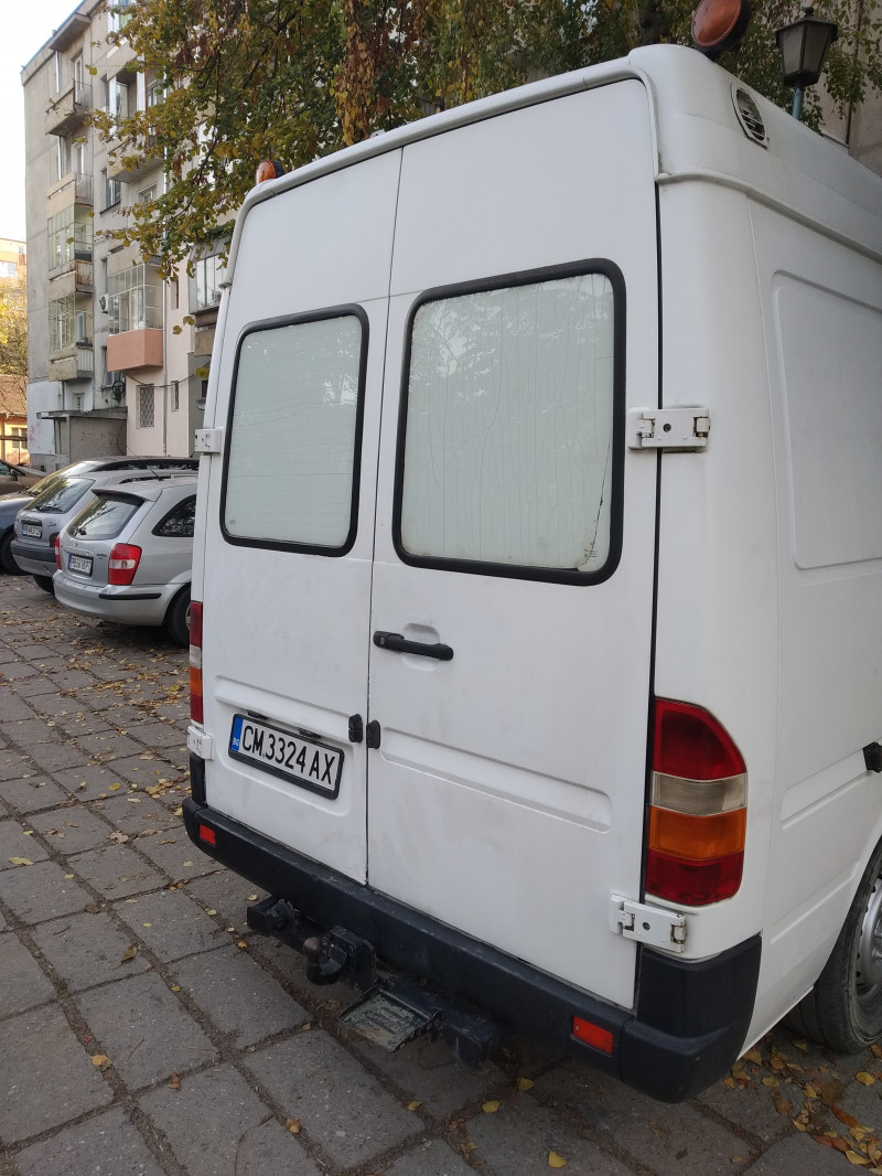 4- Mercedes-Benz Sprinter 312