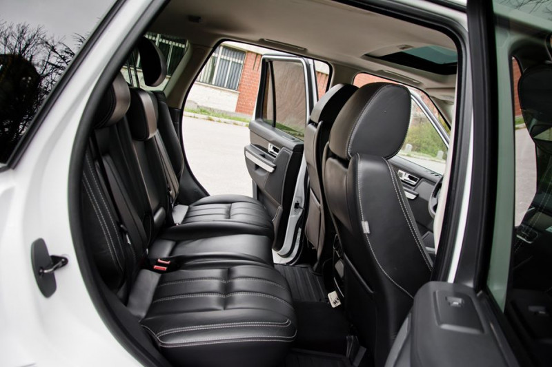 Land Rover Range Rover Sport - image 12