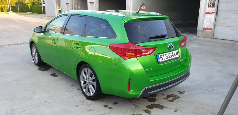 Toyota Auris - image 6