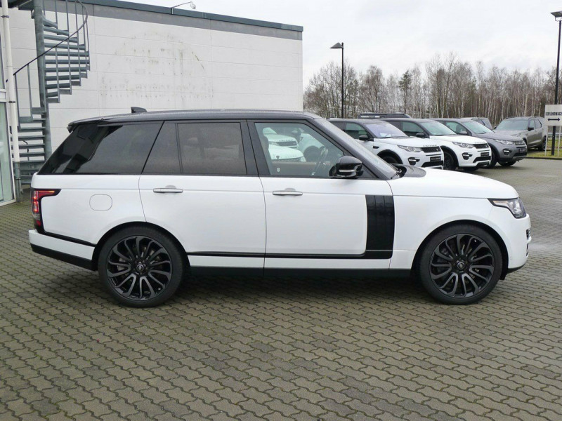 Land Rover Range Rover - image 3