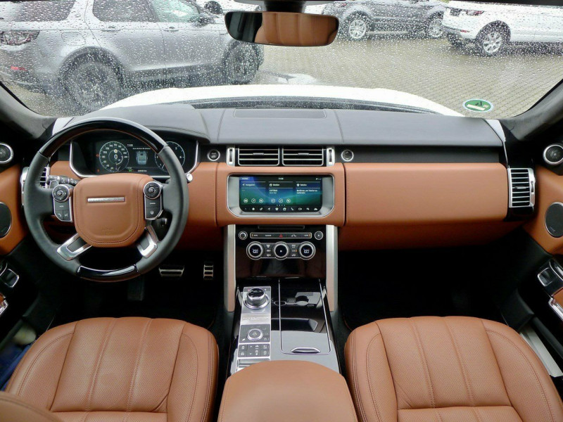 Land Rover Range Rover - image 7