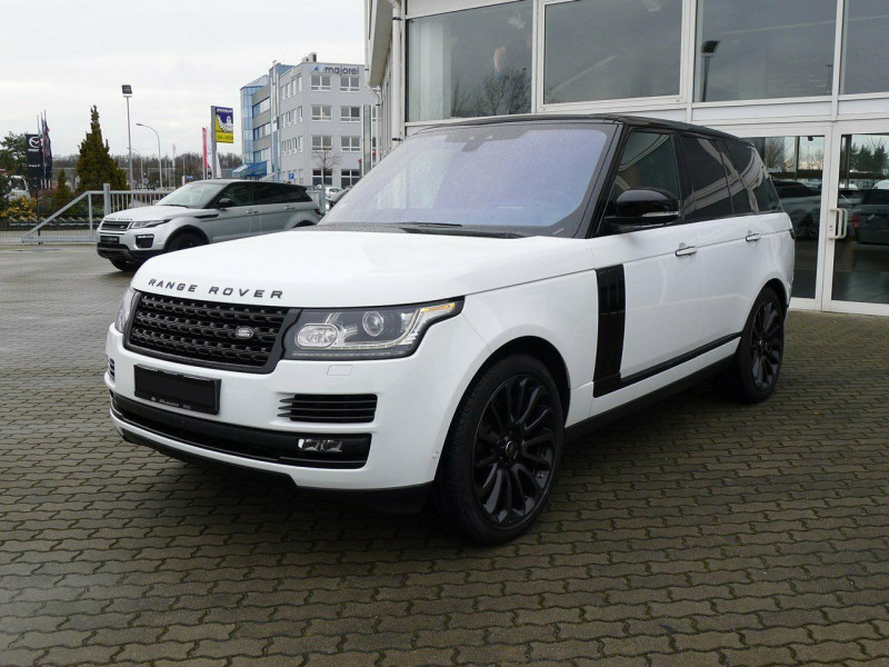 Land Rover Range Rover - image 1