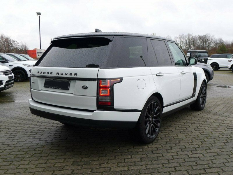 Land Rover Range Rover - image 4