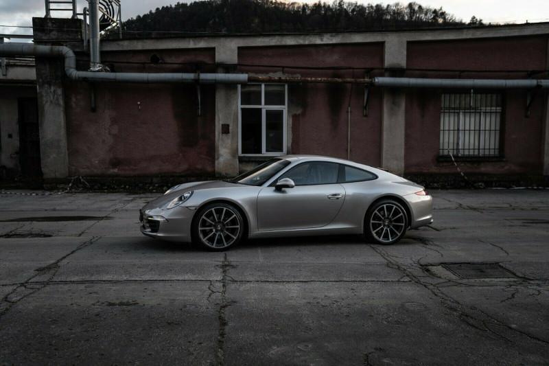 Porsche 911 - image 4