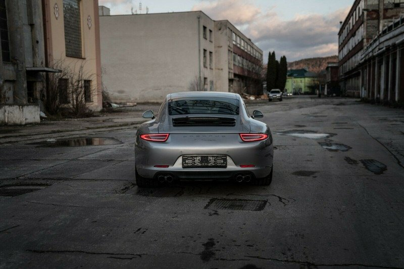 Porsche 911 - image 7