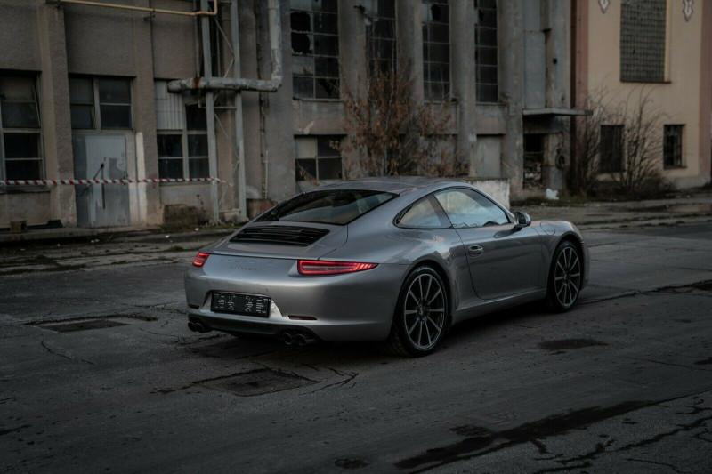 Porsche 911 - image 8