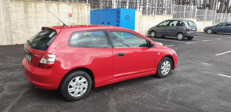 Honda Civic - image 8