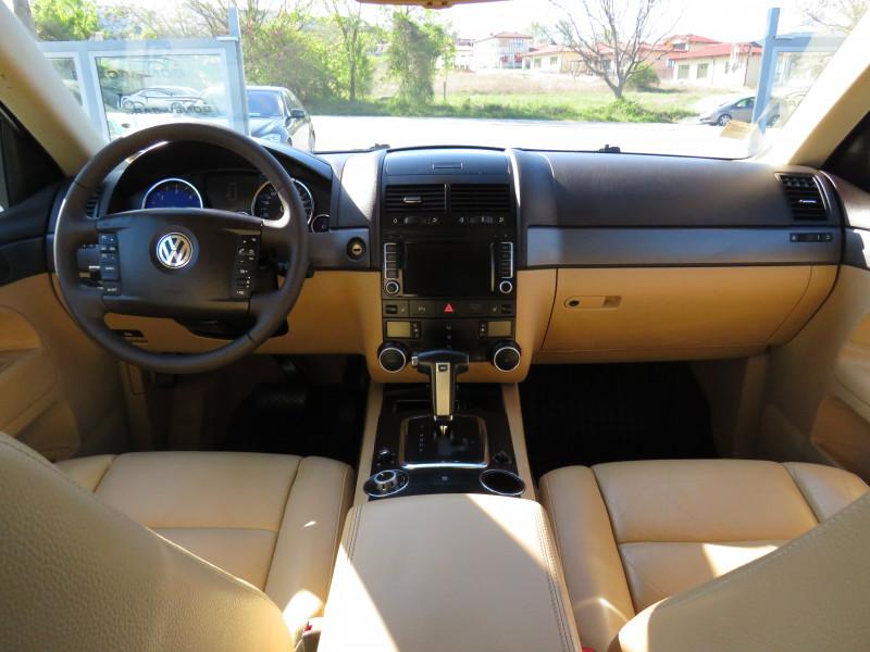 VW Touareg - image 12