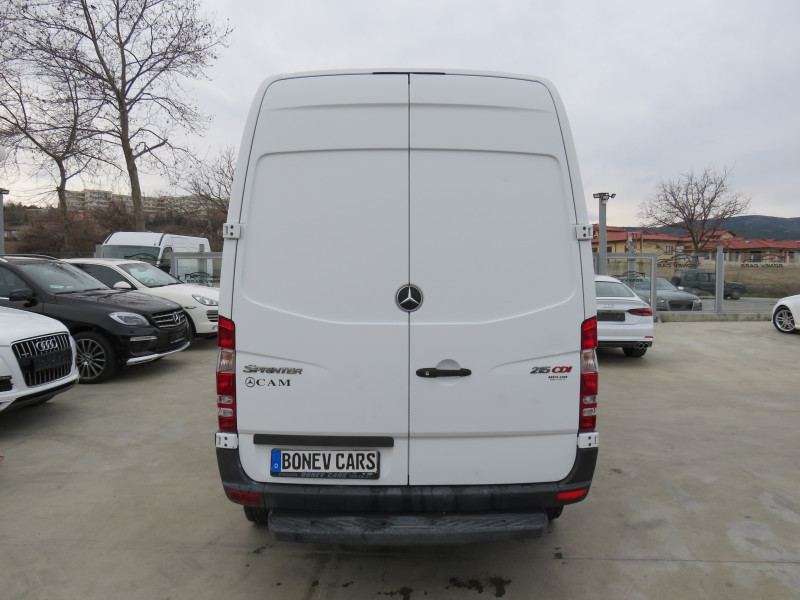 6- Mercedes-Benz Sprinter 216