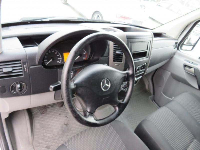 10- Mercedes-Benz Sprinter 216