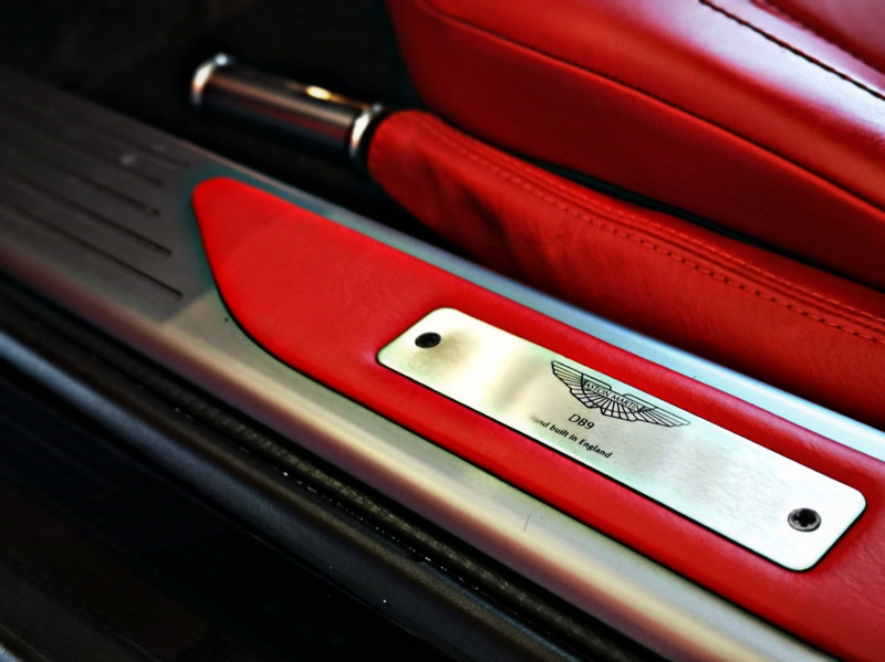 Aston Martin DB9 - image 8