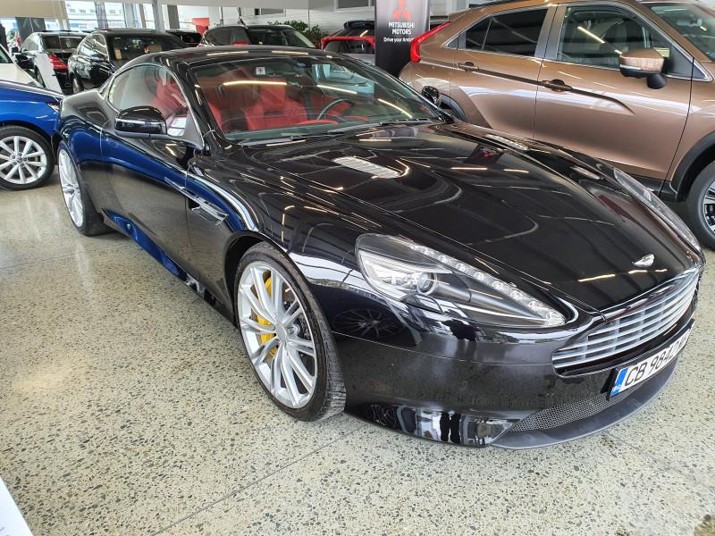 Aston Martin DB9 - image 2