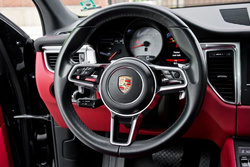Porsche Macan - image 8