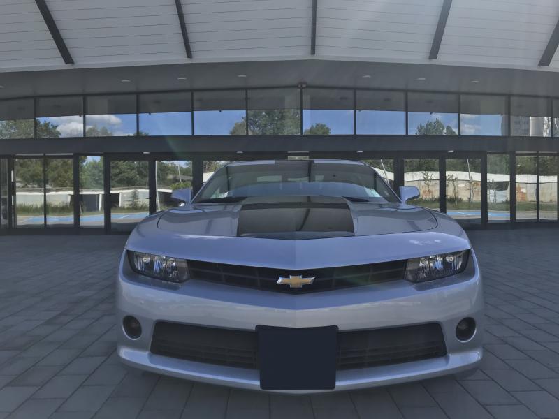 Chevrolet Camaro - image 2