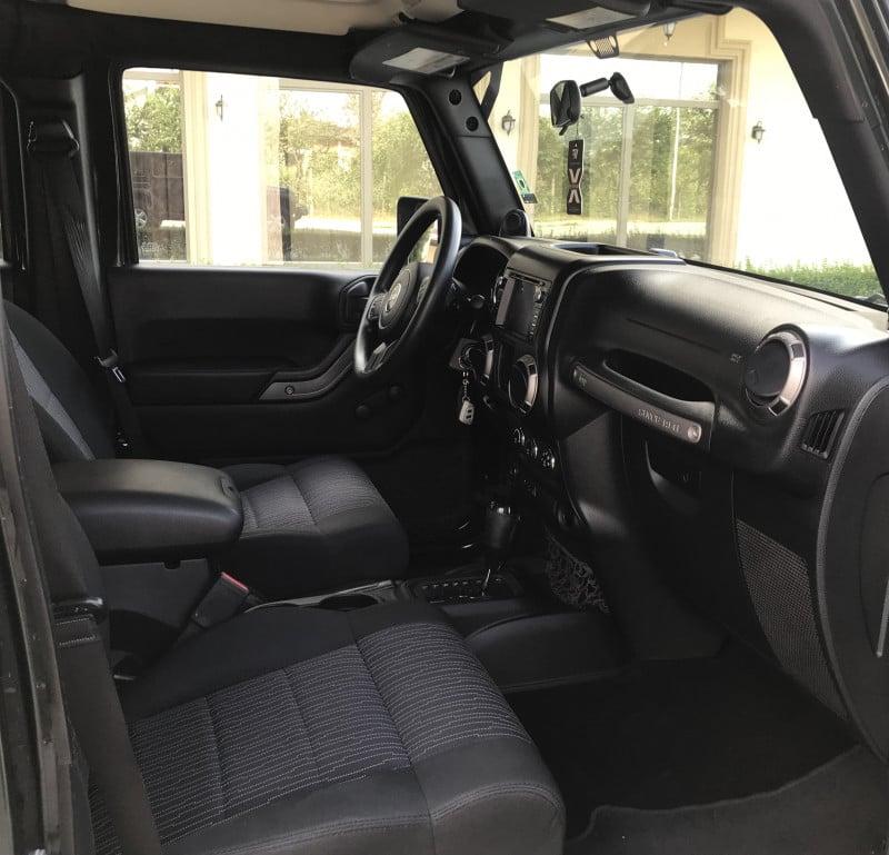 Jeep Wrangler - image 11