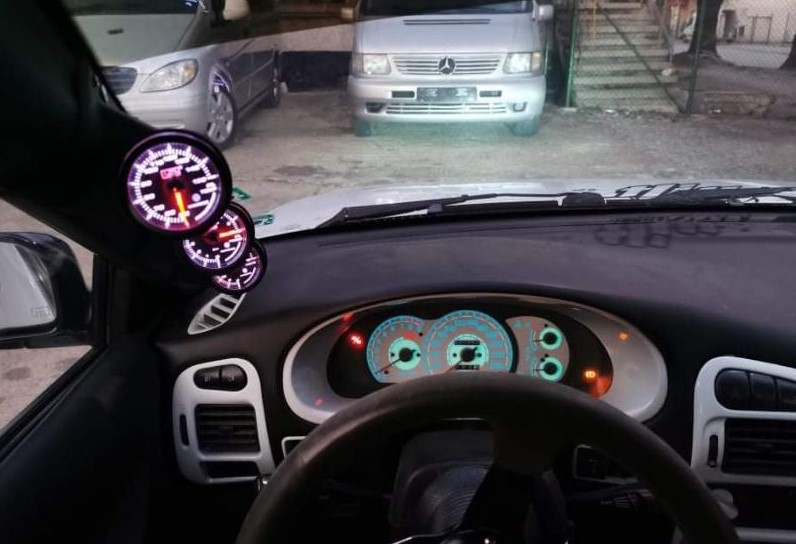 Mitsubishi Colt - image 6