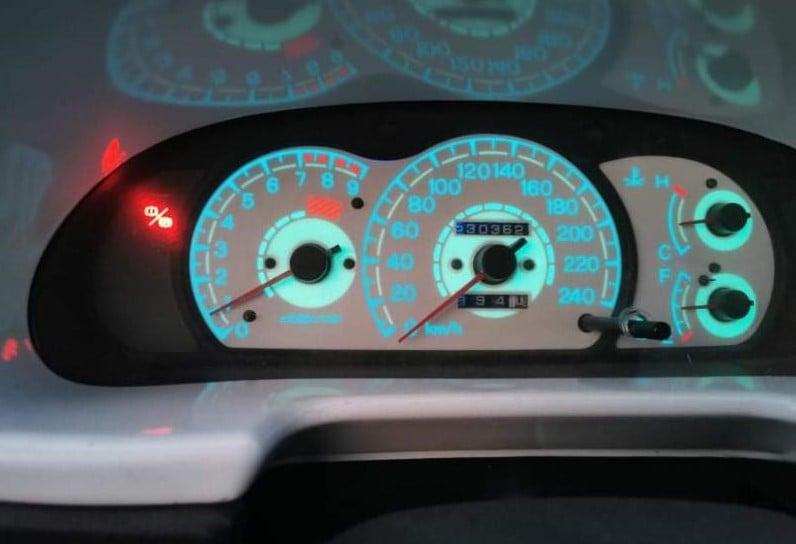 Mitsubishi Colt - image 9