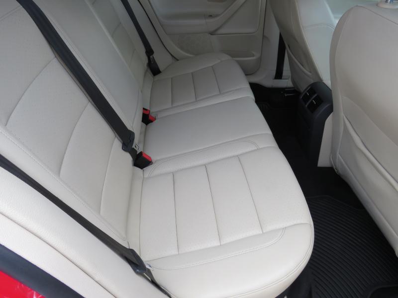 VW Jetta - image 13
