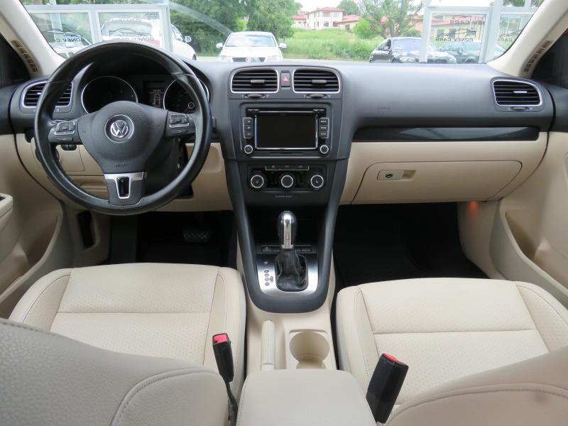 VW Jetta - image 12