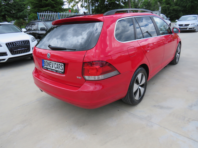 VW Jetta - image 5