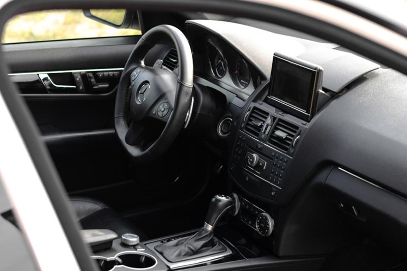 Mercedes-Benz C 63 AMG - image 12