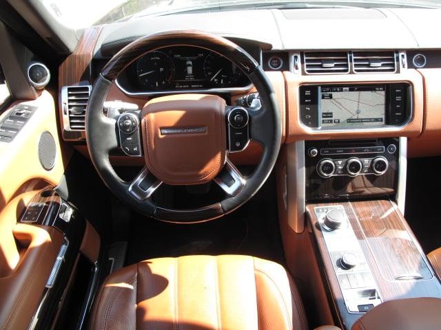 Land Rover Range Rover Vogue - image 6