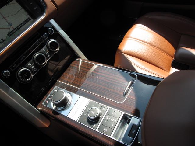 Land Rover Range Rover Vogue - image 9