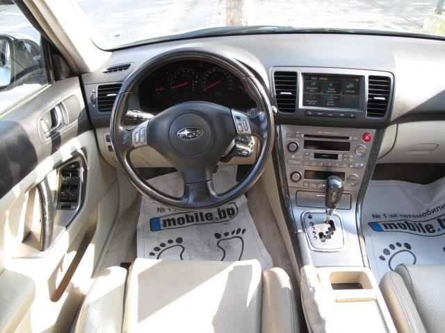 Subaru Legacy - image 10