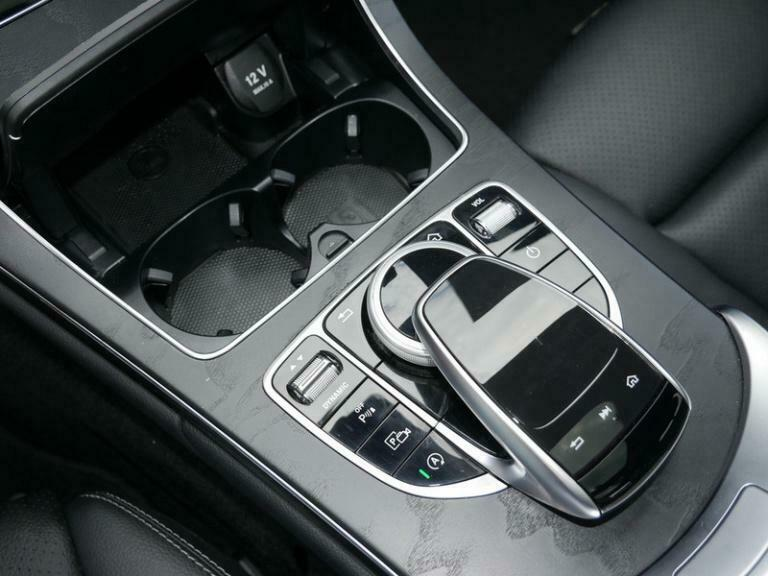 Mercedes-Benz C 300 - image 14