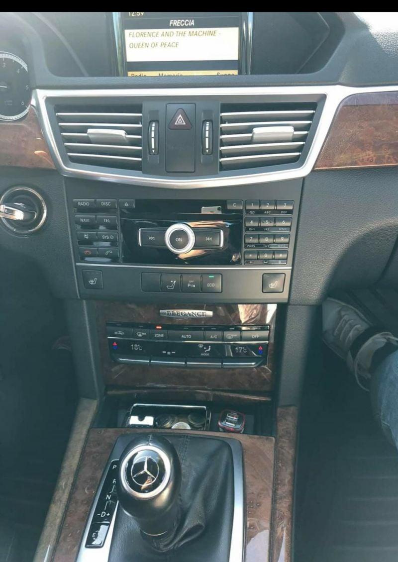 Mercedes-Benz 200 - image 11