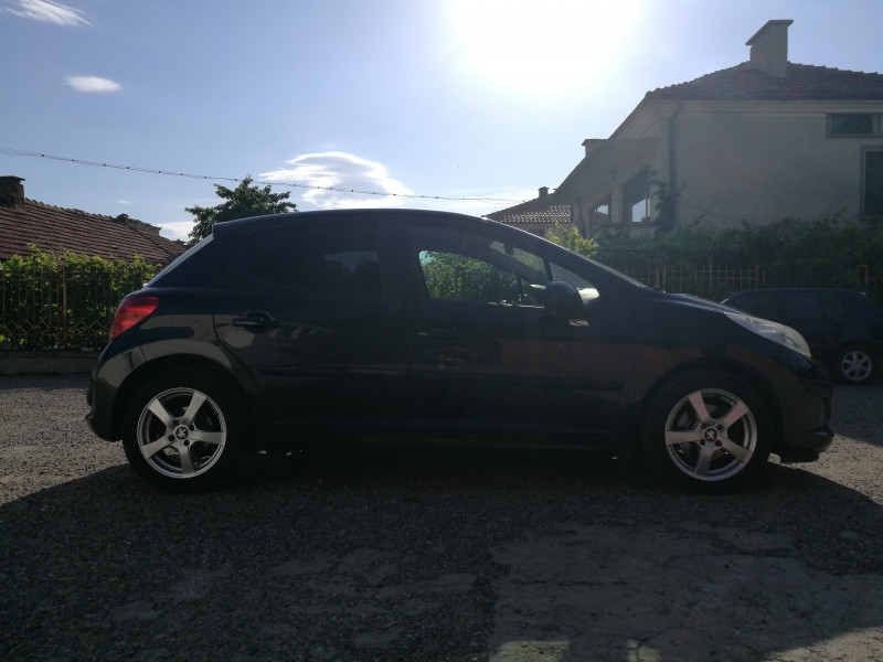 Peugeot 207 - image 7