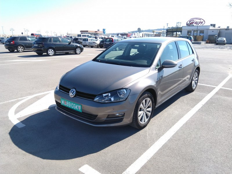 VW Golf - image 1