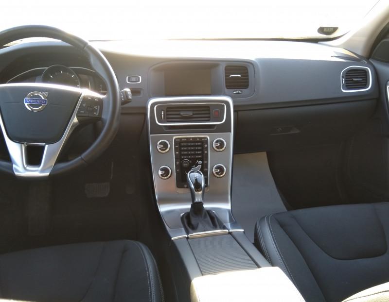 Volvo V60 - image 8