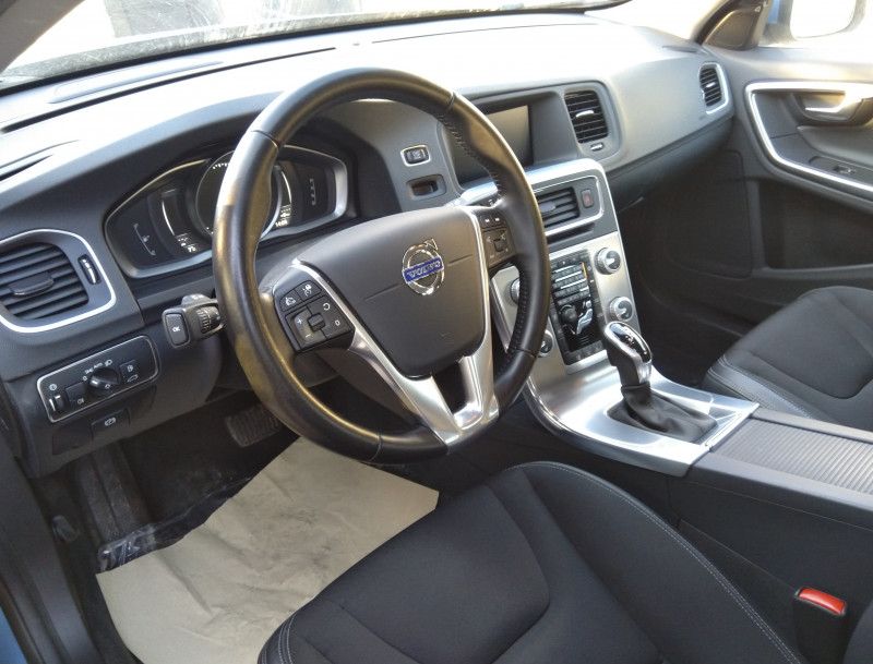 Volvo V60 - image 6