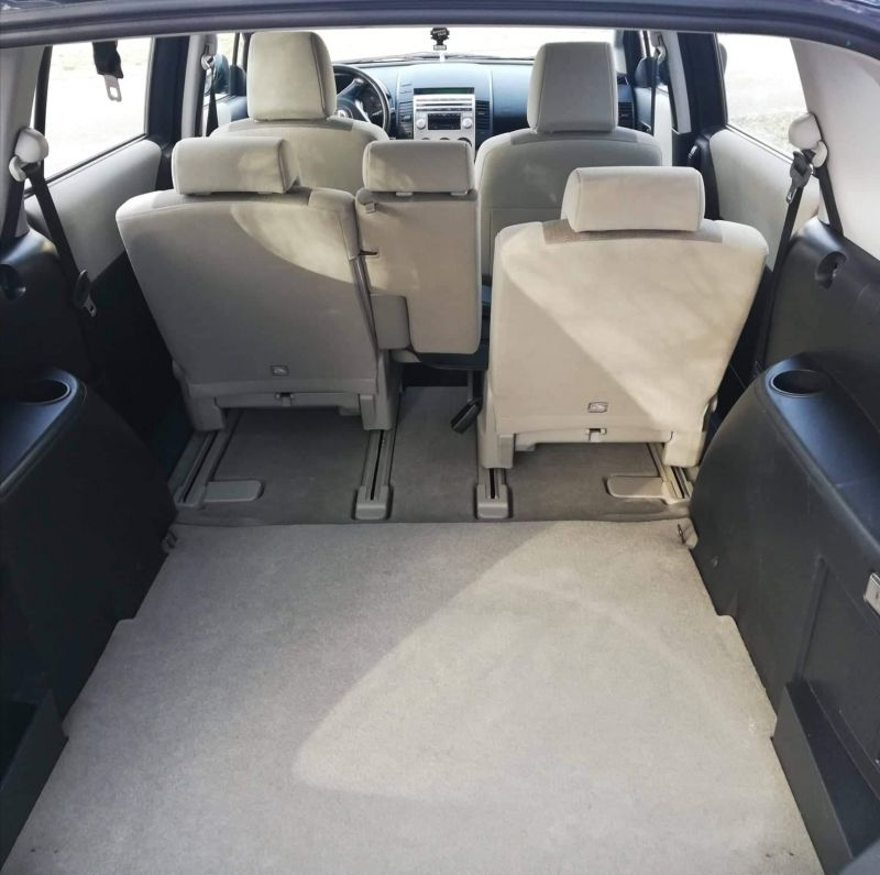 Mazda 5 - image 7