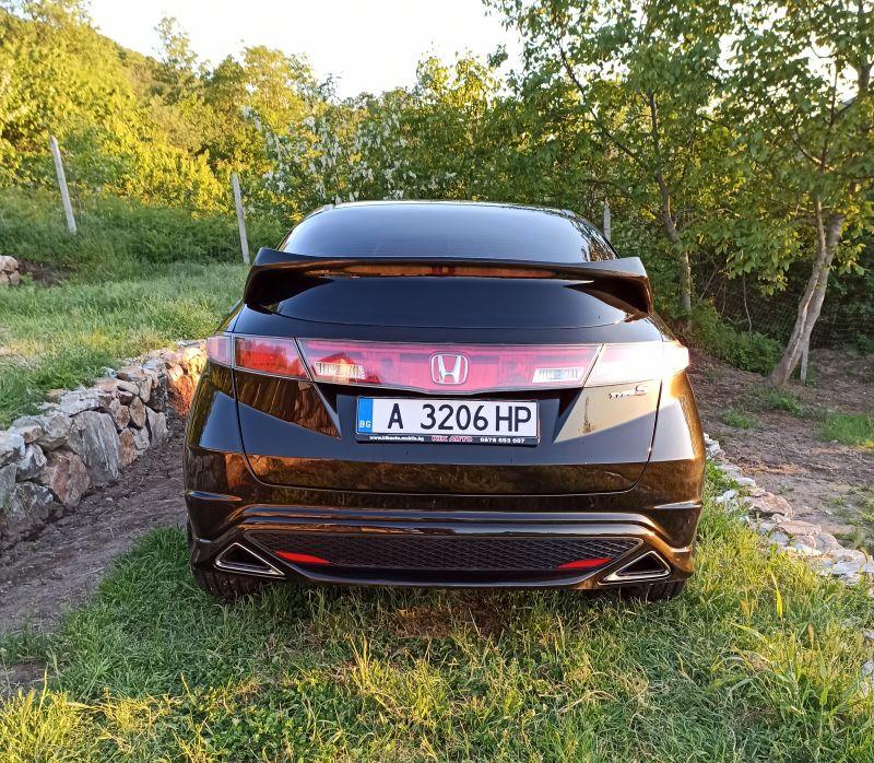 Honda Civic - image 6
