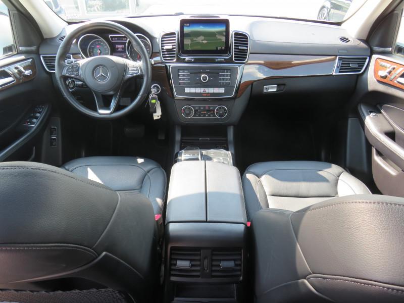 Mercedes-Benz GLS - image 11