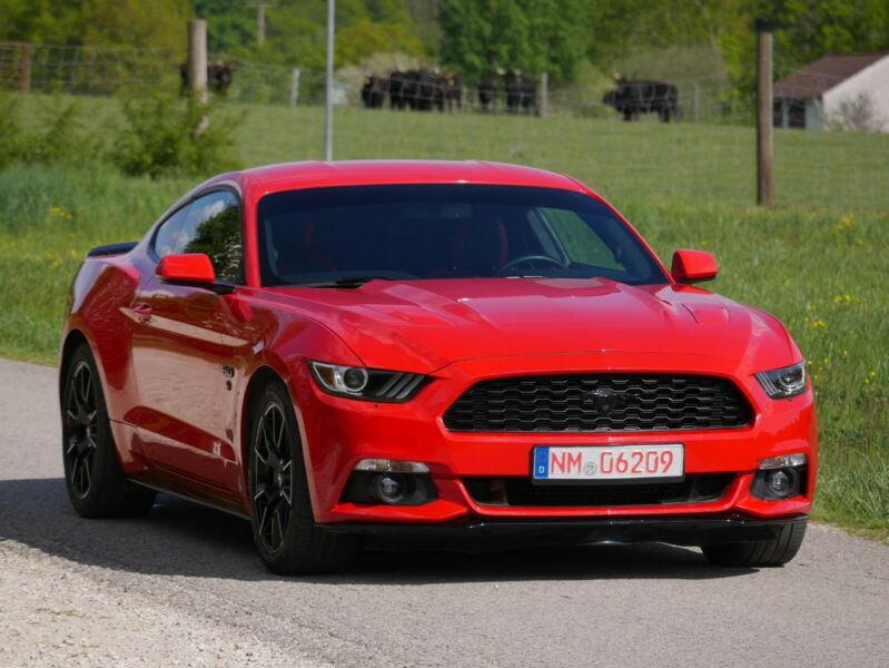 Ford Mustang - image 1