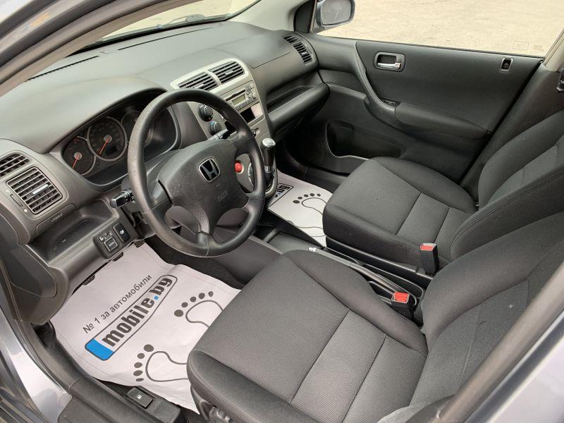 Honda Civic - image 12