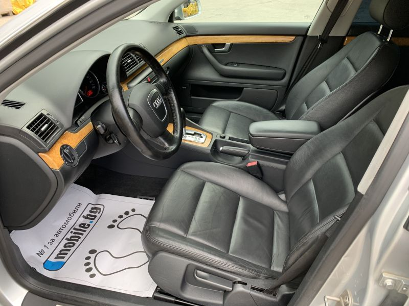 Audi A4 - image 9